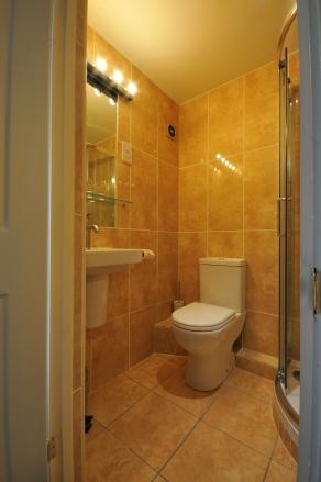 samson-bathroom-4
